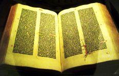Gutenberg_Bible_-_Aaron_Gustafson_tc