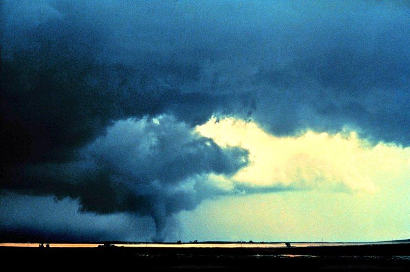 Alfalfa_Tornado_-_NOAA_tt