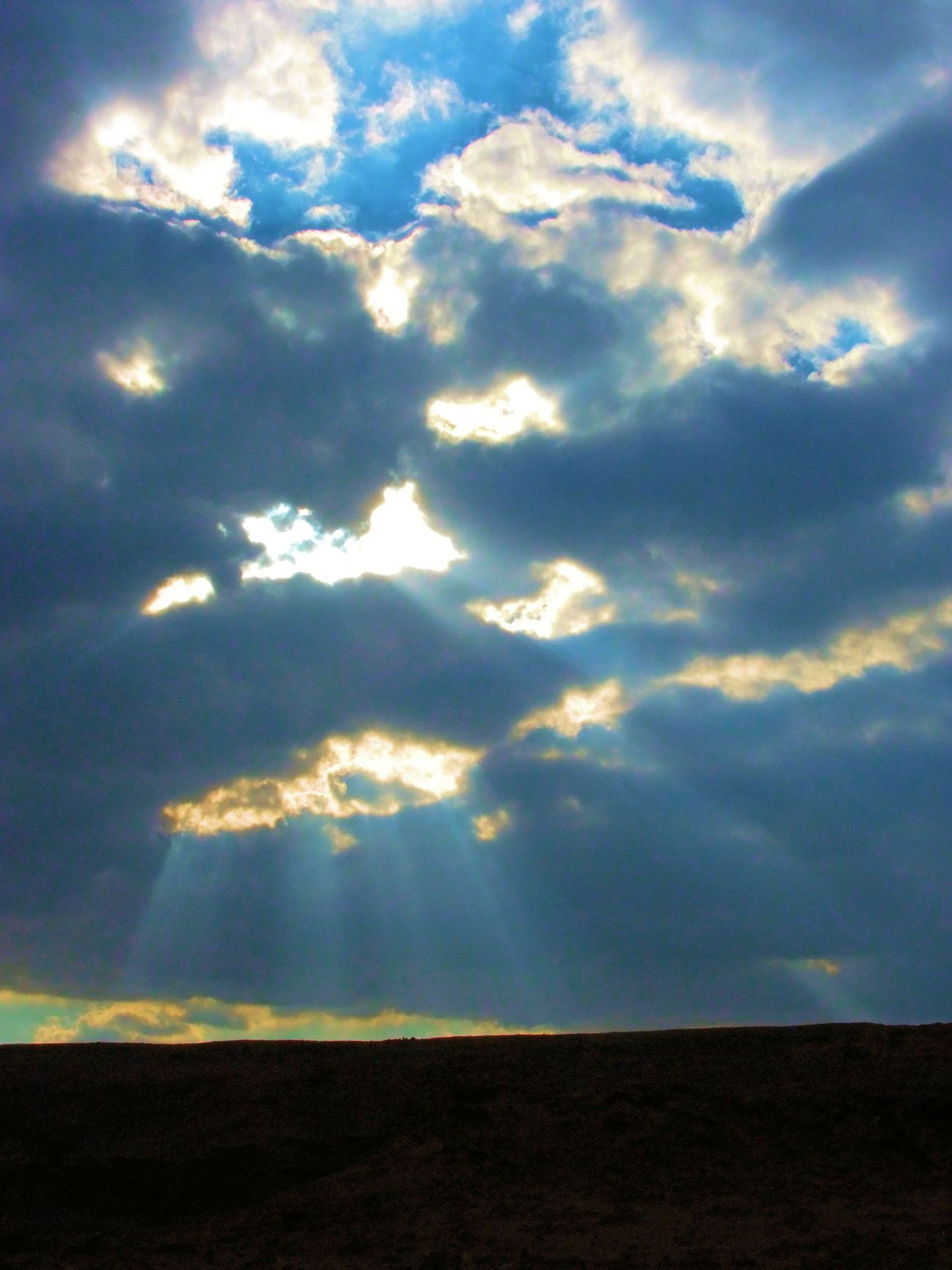 PikiWiki_Israel_47164_clouds_and_light_t2