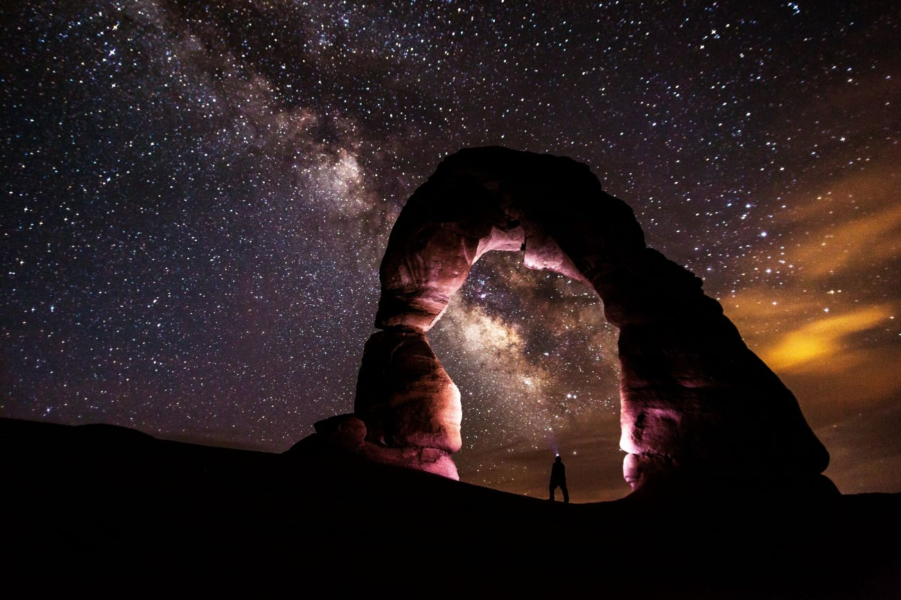 Delicate_Arch_at_Night_with_Headlamp_(8708155337)_t