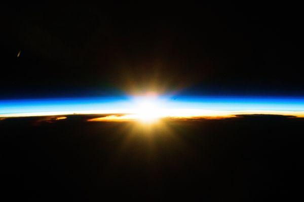 ISS-46_Sunrise_over_Australian_storm_clouds_t