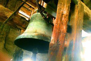 La cloche de l'église Saint Nicolas (The Bell of the Church of Saint Nicolas).