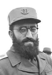 Shlomo Goren as a young Israeli officer and Chief Rabbi of the Military Rabbinate of the IDF (01/03/1949).
