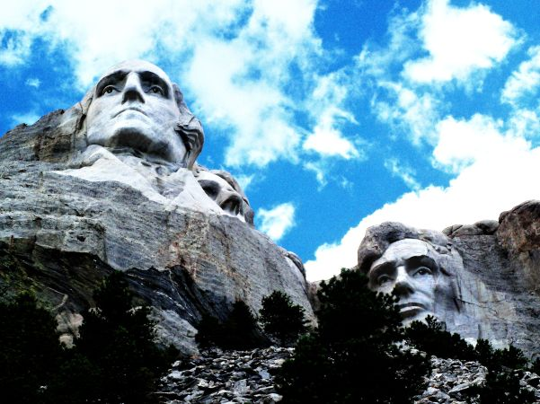 Presidents Washington and Lincoln Gaze on America from Mt. Rushmore.