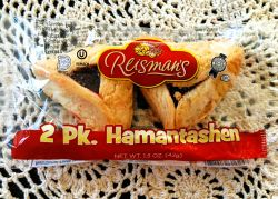 Packaged Hamantaschen cookies. © 2018 CEM Ministries archive.