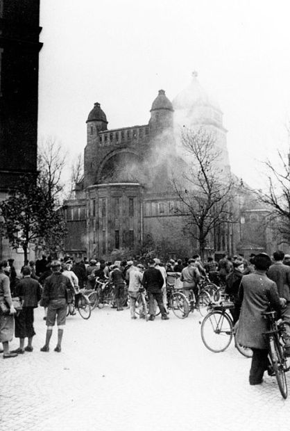 3_Destruction of the Synagogue in Bamburg during the Kristallnacht (1938)