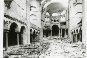 5_Interior view of the destroyed Fasanenstrasse Synagogue, Berlin burned on Kristallnacht. November Pogroms.